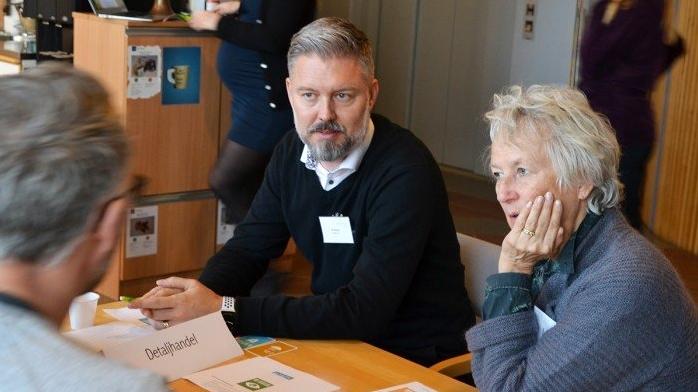 Ola Johansson, Marenor, och Elisabet Brock, Kosteralg, diskuterade hur man kan nå ut med nya produkter från havet till detaljhandeln.